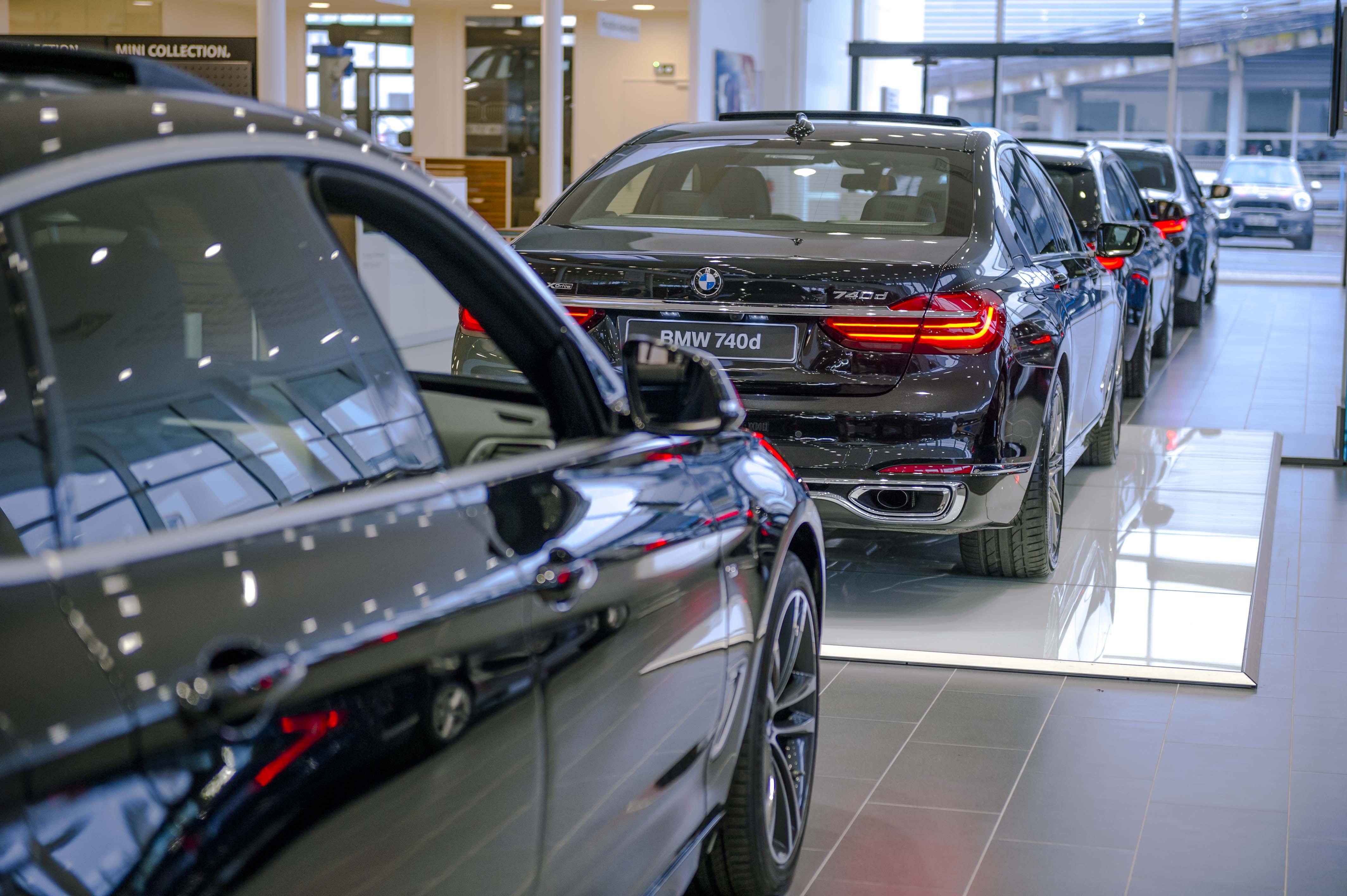 BMW MINI SAINT MERRI CHANTILLY